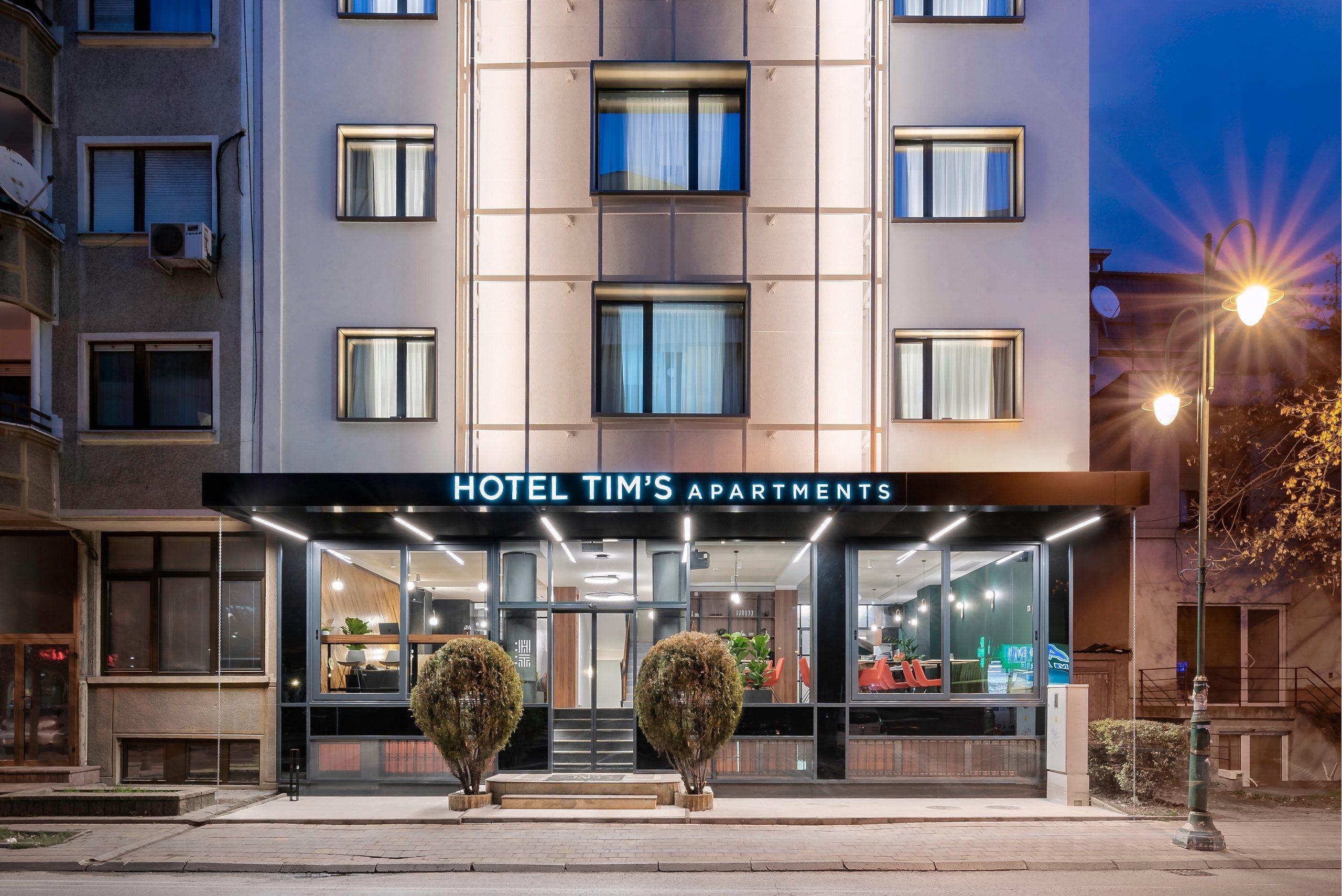 Hotel Tim's Facade